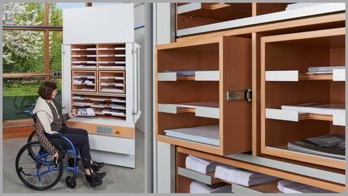 Stauraum im Arbeitszimmer: moderne Arbeitszimmer von Koitka Innenausbau GmbH