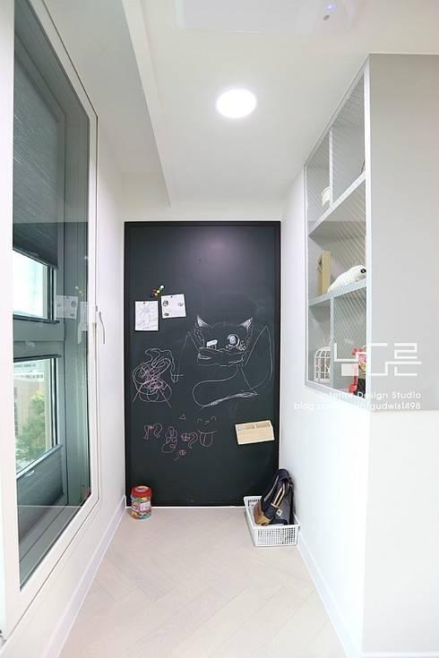 Projekty,  Taras zaprojektowane przez 남다른디자인