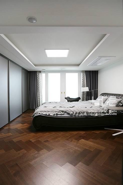 대구 수서동 롯데캐슬 52평형: 남다른디자인의  방