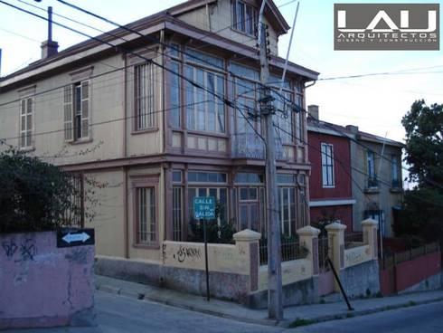 Loft Cerro Alegre: Casas de estilo minimalista por Lau Arquitectos