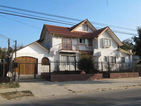 Casa Toro: Casas de estilo clásico por Lau Arquitectos