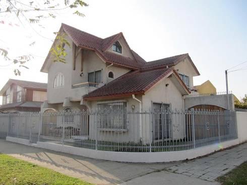 Casa Valencia: Casas de estilo moderno por Lau Arquitectos