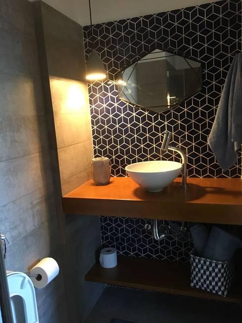Banheiro Social: Banheiros  por StudioTrans.Forma