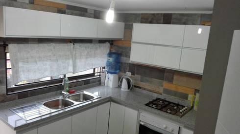 Proyectos en quilpue: Cocinas de estilo moderno por isabella cocinas