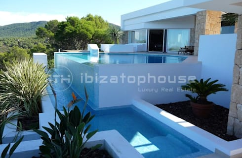 villa ibiza: mediterranean Houses by ibizatophouse