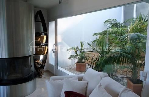 villa ibiza: mediterranean Living room by ibizatophouse