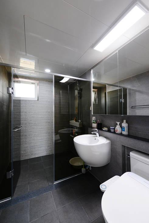 Phòng tắm by 코원하우스