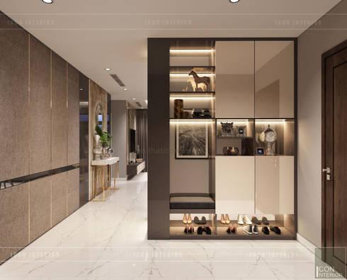 THIẾT KẾ NỘI THẤT CĂN HỘ: Kết hợp Neoclassic và Contemporary style:  Cửa ra vào by ICON INTERIOR