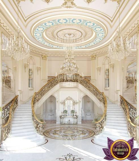 House interior design Florida by Katrina Antonovich:  Corridor & hallway by Luxury Antonovich Design