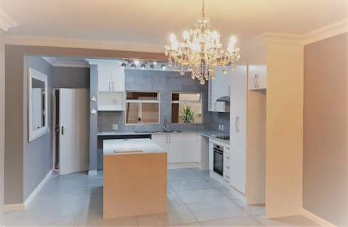 Kitchen Revamp - Classic :  Built-in kitchens by Zingana Kitchens and Cabinetry