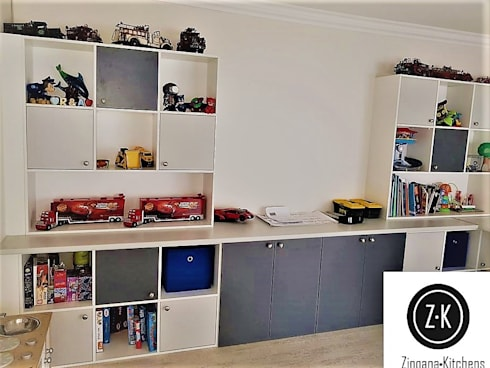 Storage Units / Shelving : classic Nursery/kid's room by Zingana Kitchens and Cabinetry