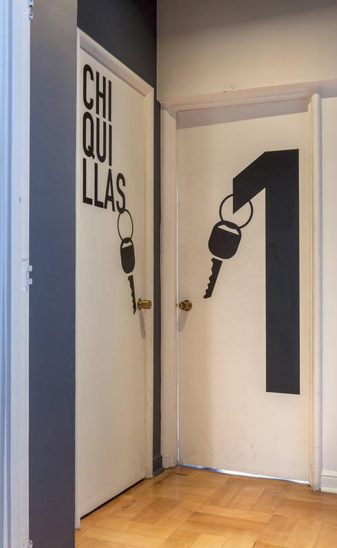 Puertas: Puertas de estilo  por LEON CAMPINO ARQUITECTURA SPA