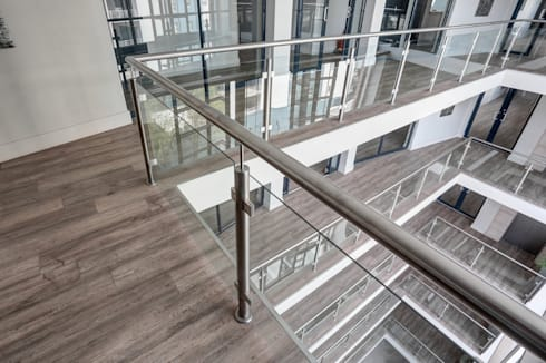 Commercial Project l 10 Degrees:  Commercial Spaces by Wanabiwood Flooring