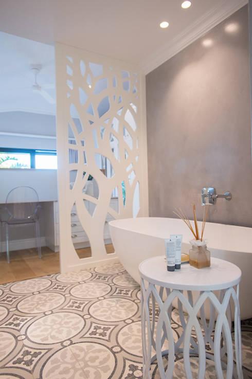 House Zimbali: modern Bathroom by Urban Create Design Interiors