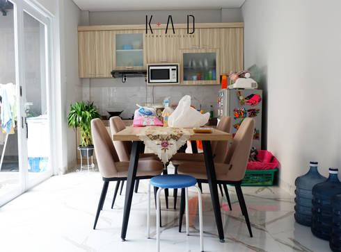 Dining Room:   by KAD Firma Arsitektur