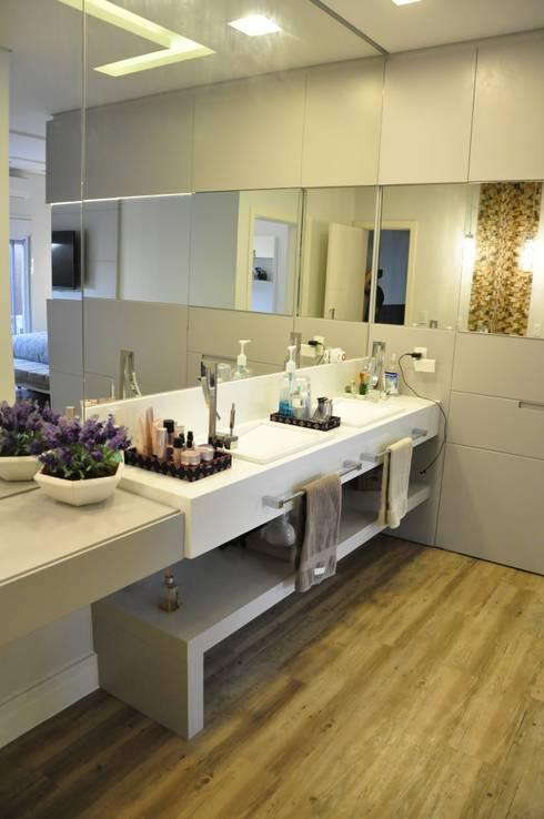 Fachadas Modernas: Banheiros  por Andréa Generoso - Arquitetura e Construção