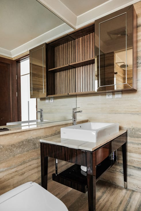 Bathroom Cabinet:  Kamar Mandi by FIANO INTERIOR