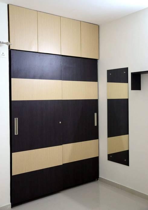 Interiors:  Bedroom by Max Interiors