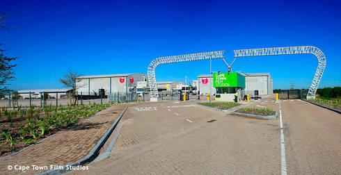 Entrance Cape town film studion:   by ENCAD Architect & Property Managers