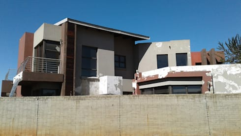 Painting of a big Residential House in Serengeti Surbubs:   by BC Construction