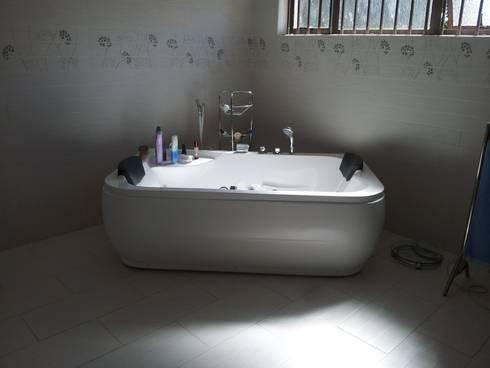 New Build: modern Bathroom by Ndiweni Architecture