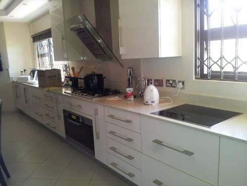 New Build: modern Kitchen by Ndiweni Architecture