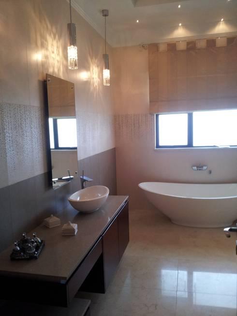 Sandton Splendour: classic Bathroom by CKW Lifestyle