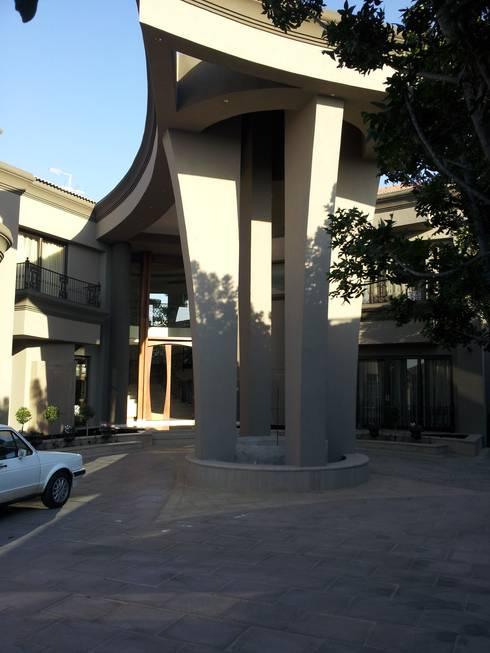 Sandton Splendour:  Houses by CKW Lifestyle
