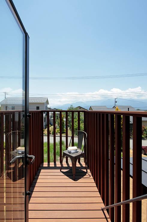 TabHouse: 稲山貴則 建築設計事務所が手掛けたテラス・ベランダです。
