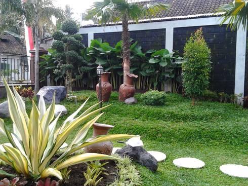 Jasa Tukang Taman Surabaya - Flamboyanasri:  Kantor & toko by flamboyanasri