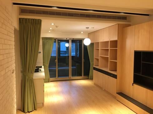 裝潢免百萬 利用現有格局及顏色的搭配 打造完美的家:  餐廳 by 捷士空間設計