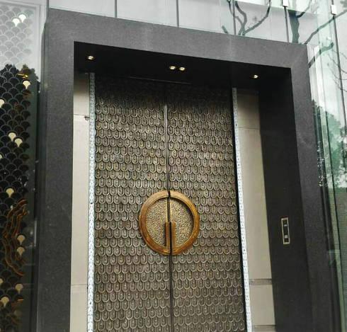 龍鱗帝寶:  窗戶與門 by 豐彩藝術股份有限公司