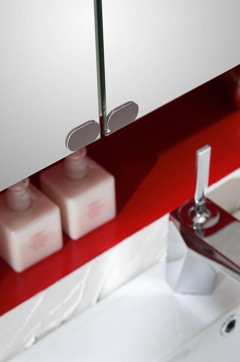 Loto 29 particolare: Bagno in stile in stile Moderno di FALEGNAMERIA ADRIATICA S.r.l.