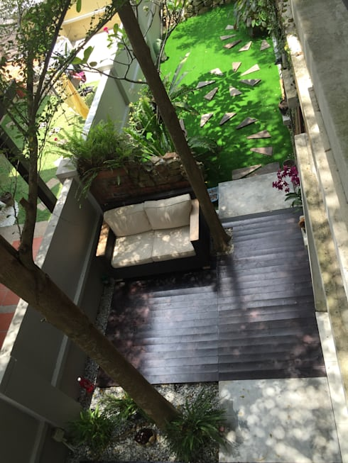 Interior Renovation:  Garden by LI A'ALAF ARCHITECT