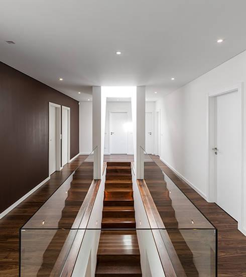 Corridor & hallway by A2+ ARQUITECTOS
