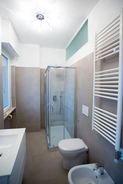 Bathroom by Ristrutturazione Case