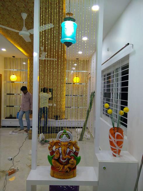 Mr Ravi Kumar PVR Meadows 3BHK Villa:  Corridor & hallway by Enrich Interiors & Decors