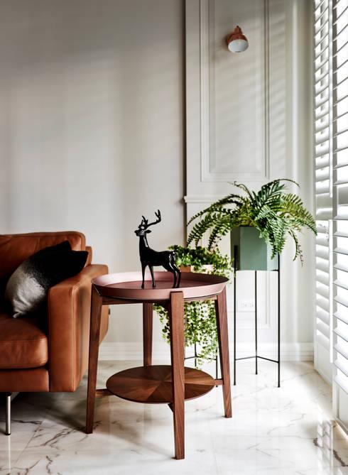 綠引光態 light with green wall  :  客廳 by 耀昀創意設計有限公司/Alfonso Ideas