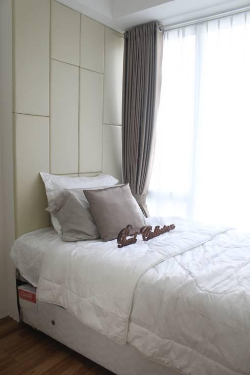 Single Bed:  Kamar Tidur by POWL Studio