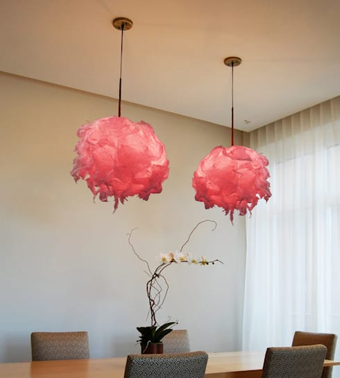 Light Flowers, Sospensioni : Sala da pranzo in stile  di SeFa Design by nature
