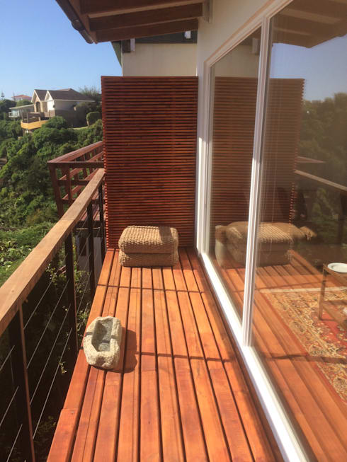 Pasillo terraza y alero protección ampliación: Casas unifamiliares de estilo  por Lares Arquitectura