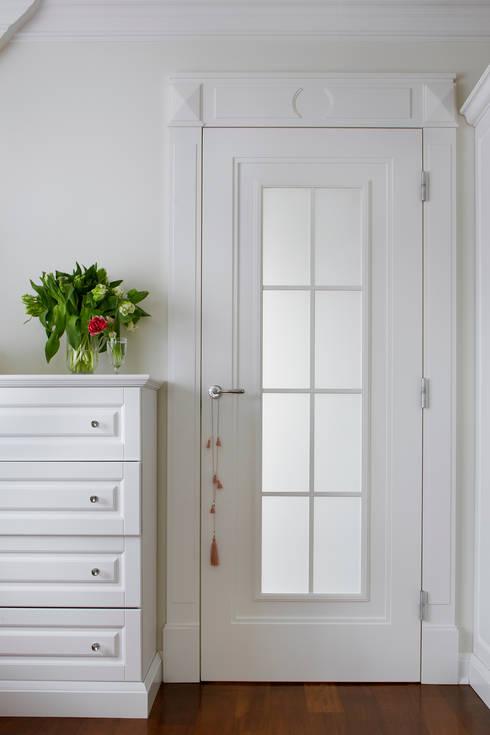 Puertas interiores de estilo  por Pracownia Projektowa Poco Design
