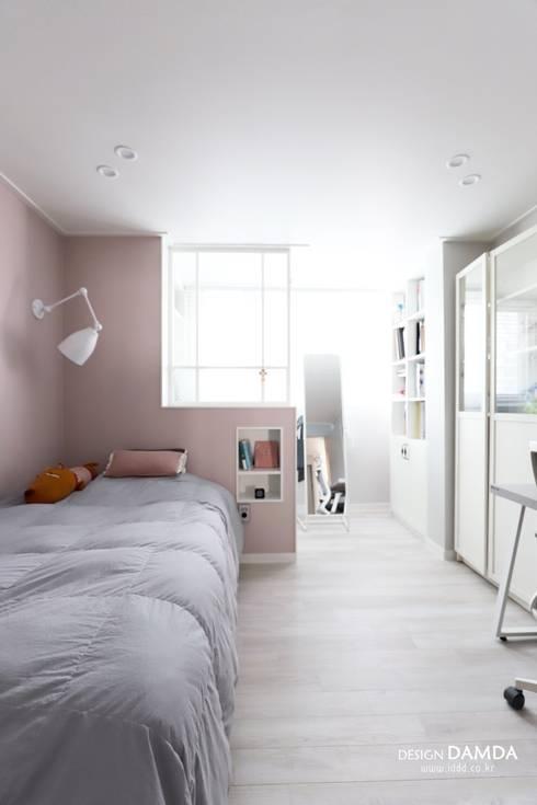 정자동 한솔마을 49평 : 디자인담다의  방