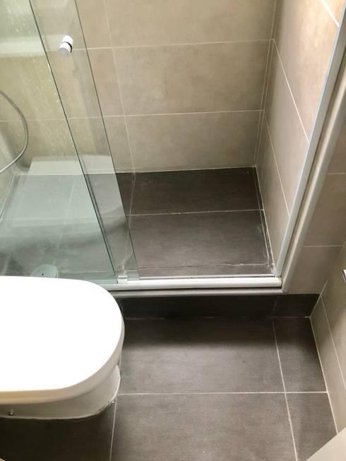 Vista 4: Baños de estilo  por balConcept
