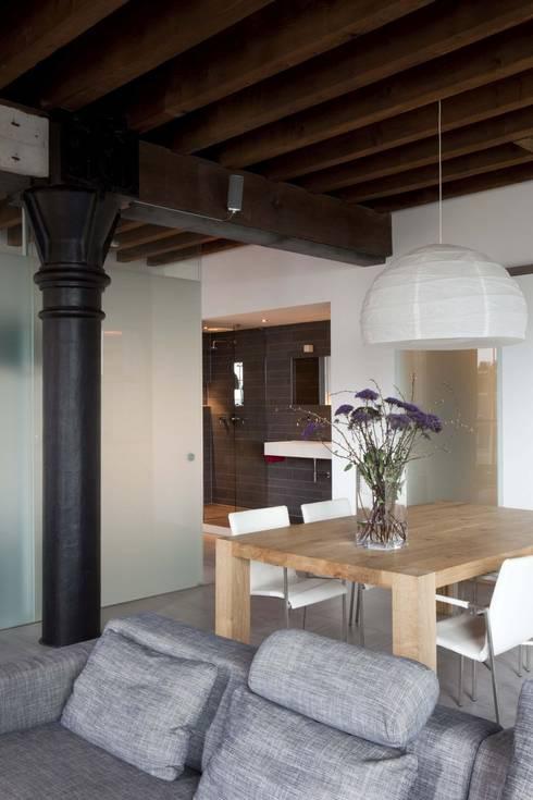 Lloydstraat 140, Rotterdam:  Eetkamer door Thijssen Verheijden Architecture & Management