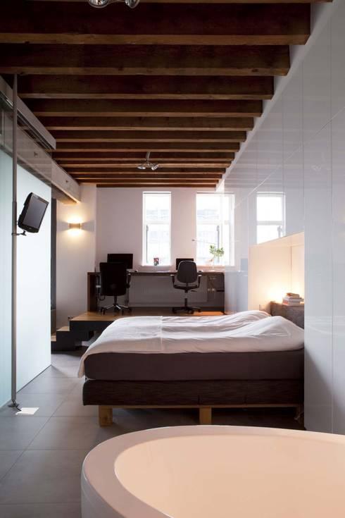 Lloydstraat 140, Rotterdam:  Slaapkamer door Thijssen Verheijden Architecture & Management
