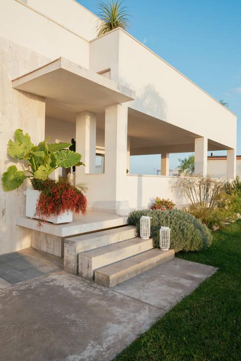 Ingresso: Case in stile  di manuarino architettura design comunicazione