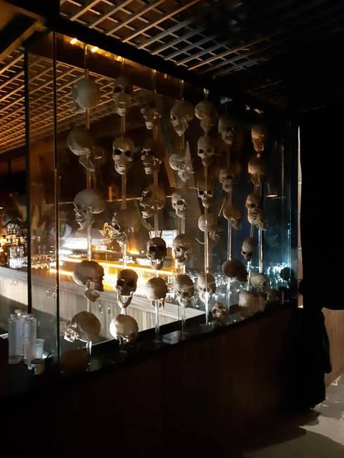 Remodelación de bar : Cavas de estilo  por Arqmad