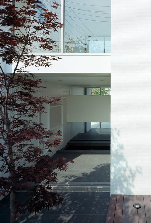 Garden by 松岡淳建築設計事務所