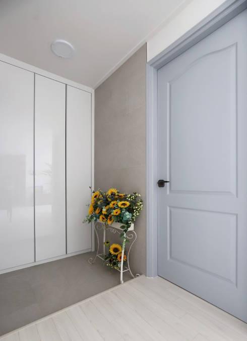 Doors by 디자인담다